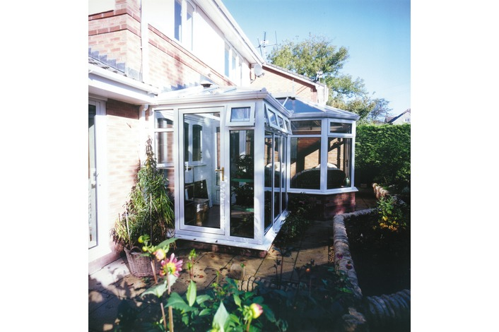 White P shape conservatory