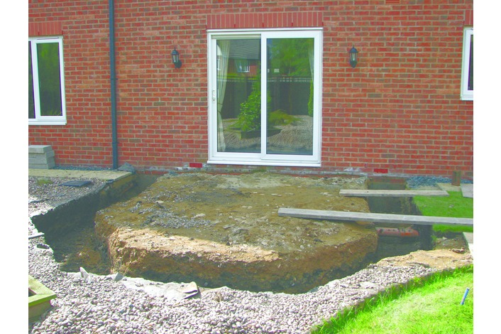 The footings have been dug and are ready for back-filling with concrete. Footing depth will be a minimum of 450mm deep for a dwarf wall construction although this can vary depending on the ground conditions.